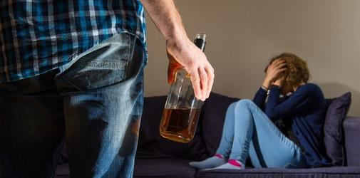 Агрессия после алкоголя - Алкоклиник