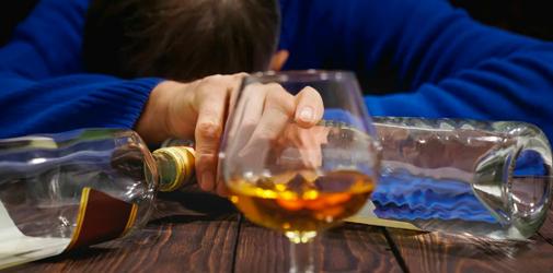 Злоупотребление спиртными напитками является причиной разводов - Алкоклиник